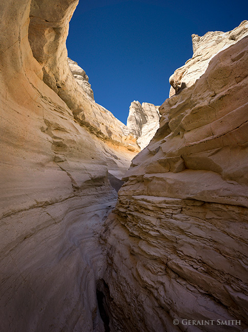 Plaza Blanca slot canyon abiquiu new mexico photo tour