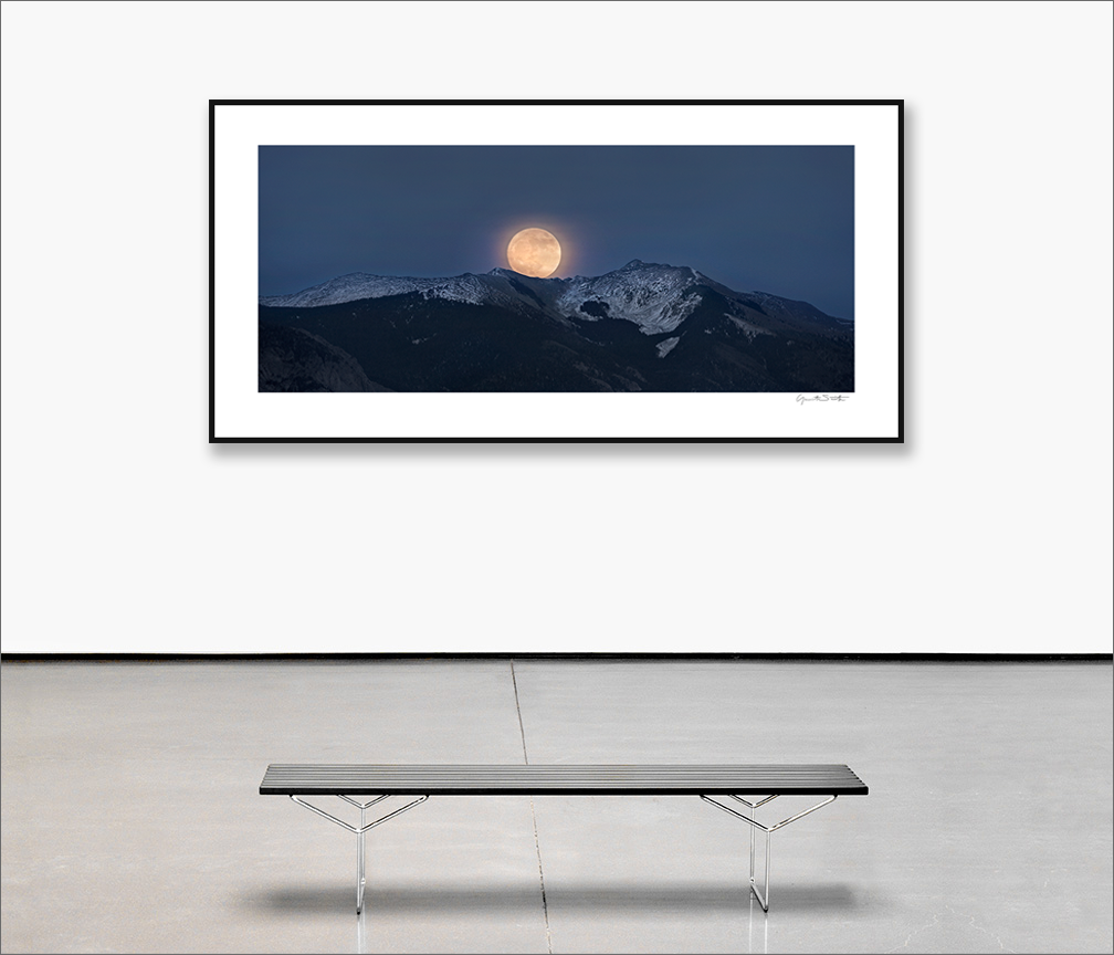Gallery wall Super moon rise, Vallecito Peak