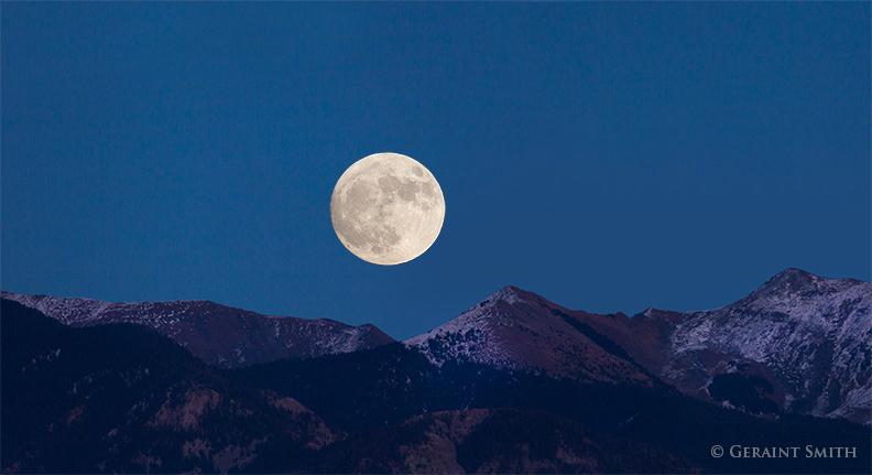 super moon november 13 2016 west rim rio grande gorge taos new mexico