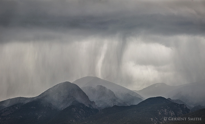 El Salto Rains rain falling on the sangre de cristo mountains