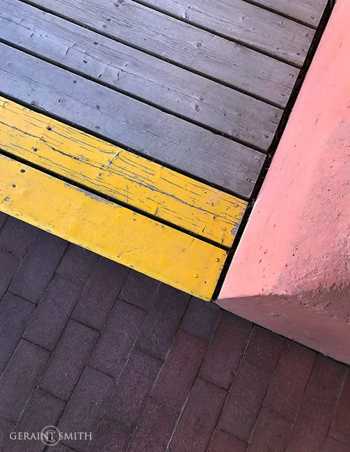 boardwalk_steps_bricks_pink_wall_4917-5454271