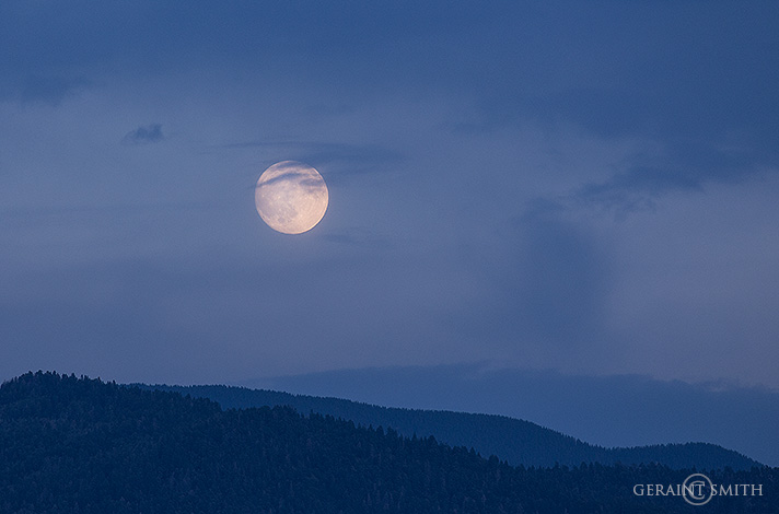 Full moon rise san cristobal nm