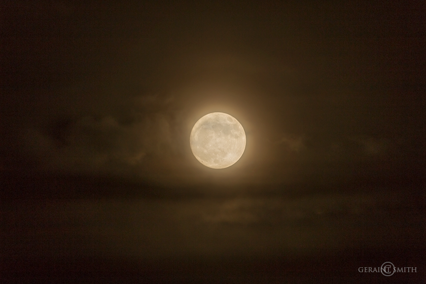 super_moon_clouds_5533-6636549