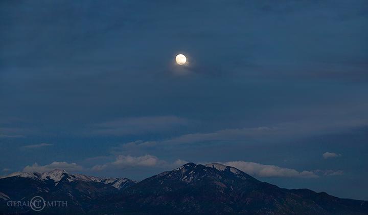 taos_mountains_moon_rise_5385_5386-7663158