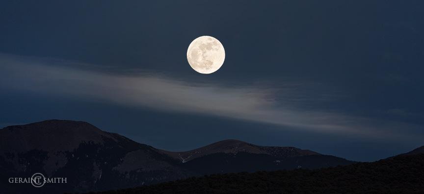 January 01 2018, Super Moon Rise