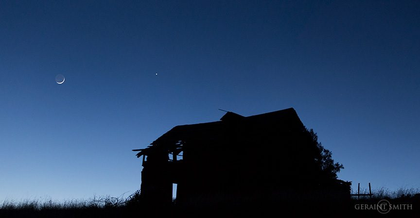 crescent_moon_venus_abandoned_house_1130_1131-5677581