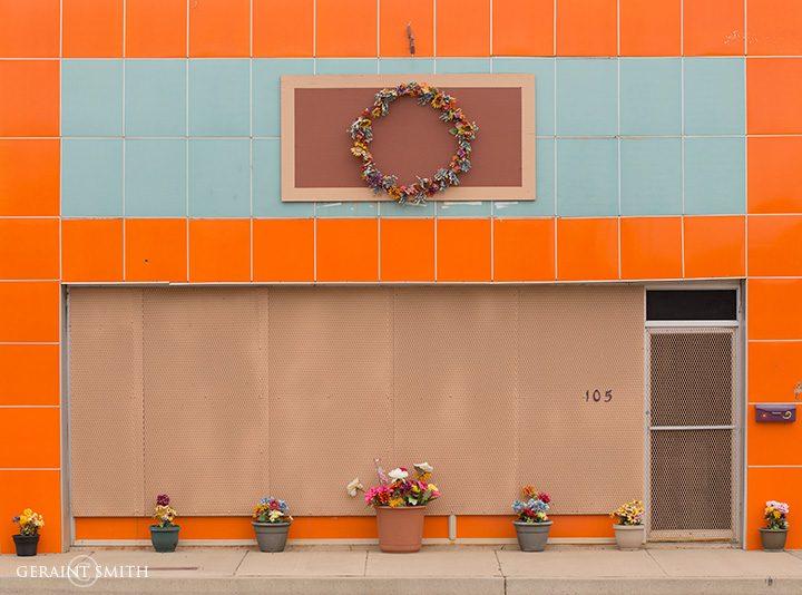 Tucumcari, Orange With Pots