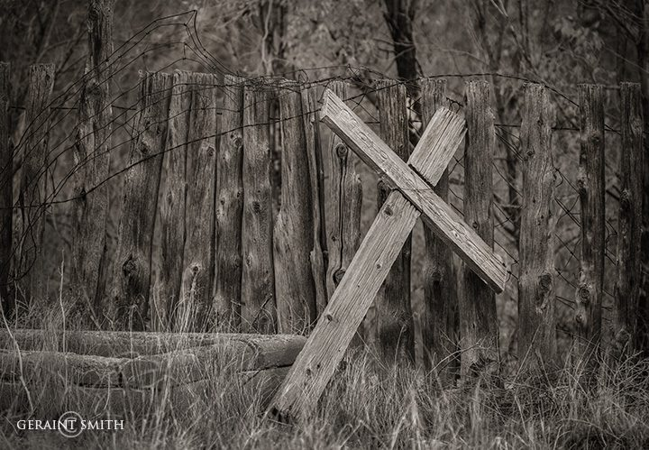 wooden_cross_questa_cemetery_2534-6148424
