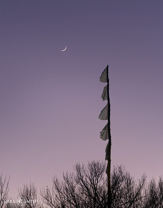 crescent_moon_prayer_flags_3942-2258699