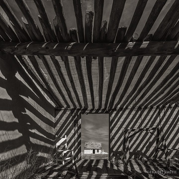 chair_shadows_white_house_sanford_bw_a7r_2625_2626-8621193