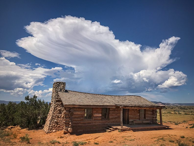 ghost_ranch_curlys_cabin_clouds_5797-9415194