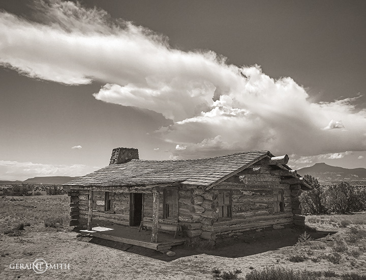 Cabin, Ghost Ranch, Cerro Pedernal