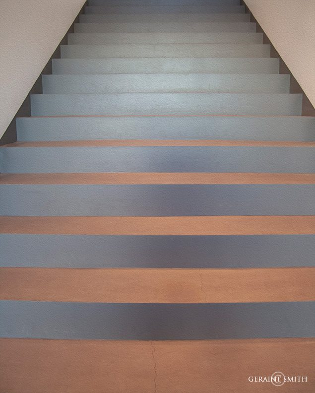 painted_stairs_oil_3504-8093956