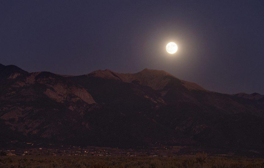 Vallecito (little valley), Mountain Peak, Moonrise,
