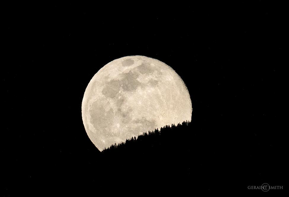 Super Moon, Crow Moon, Sangre de Cristo Mountains