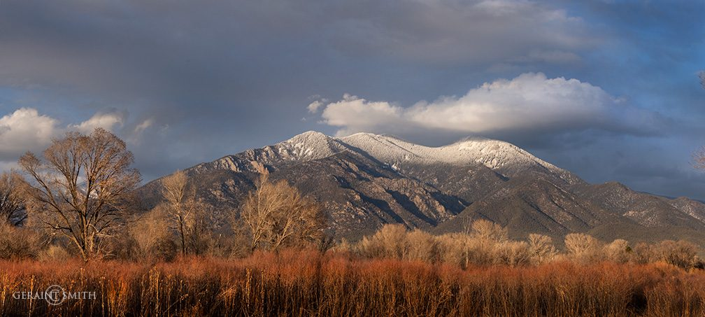 taos_mountain_willows_cloud_0034_0035-7611757