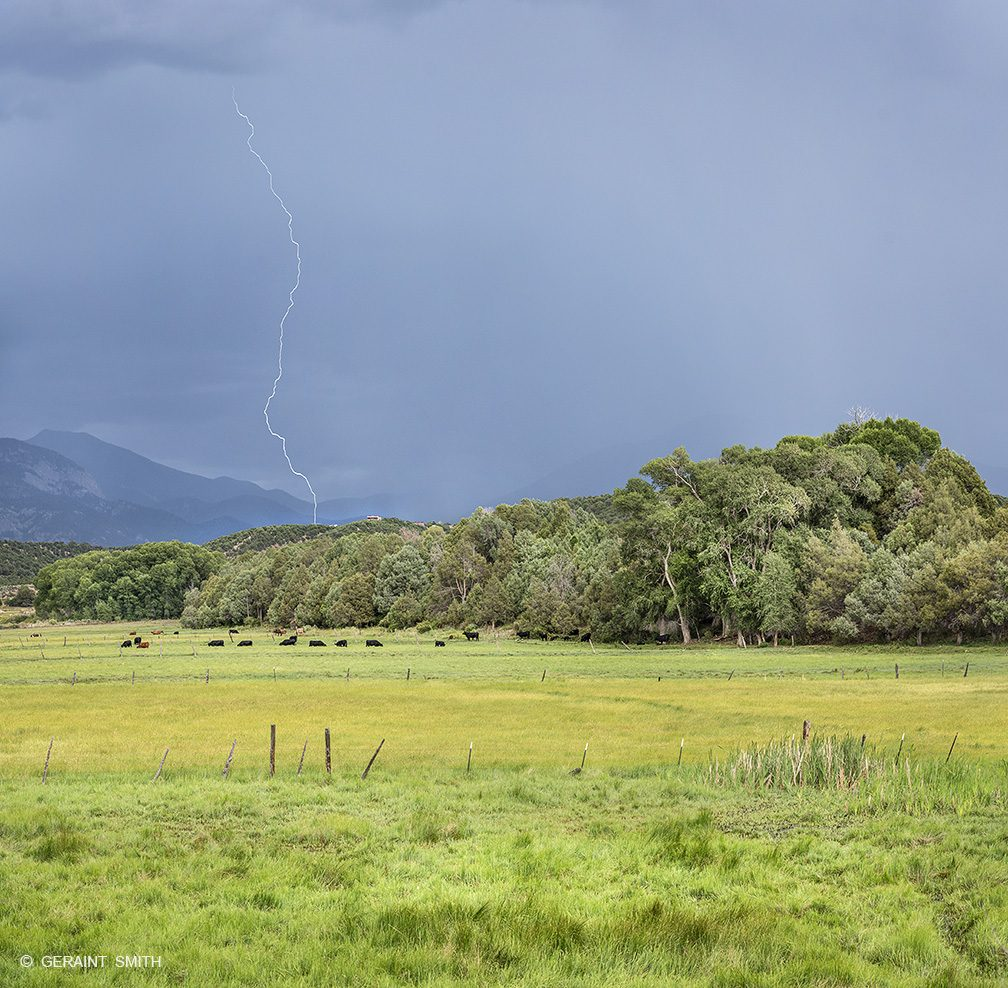 arroyo_hondo_pasture_lightning_7255_7257-8101207