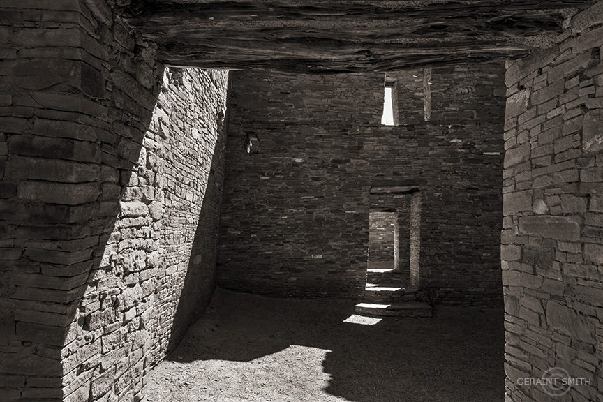 chaco_window_doors_shadows_4592-9024253