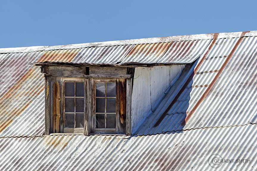 corrugated_tin_roof_dormer_9920-7907875
