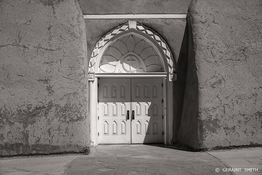 Big doors Ranchos de Taos