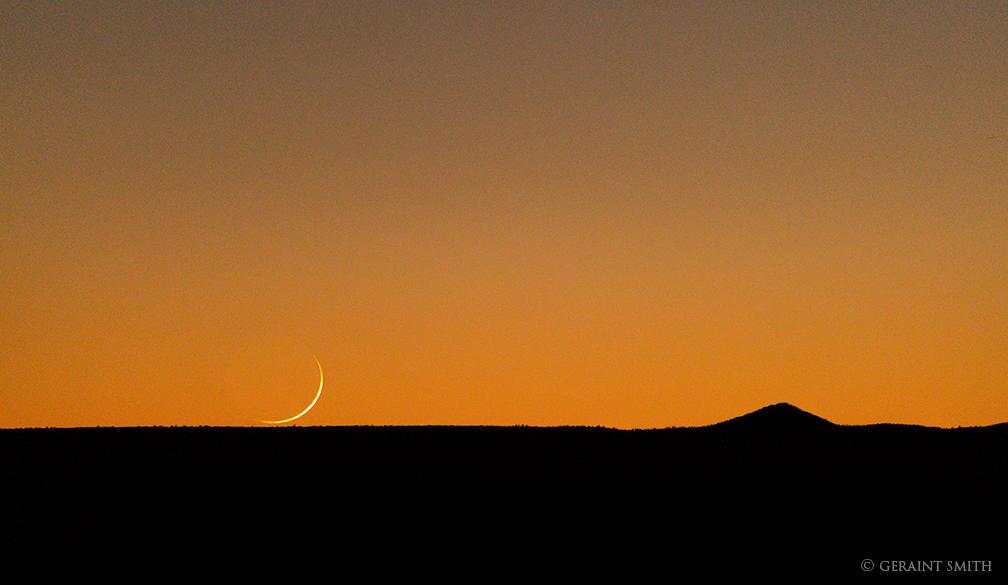 crescent_moon_taos_plateau_2025-6937205