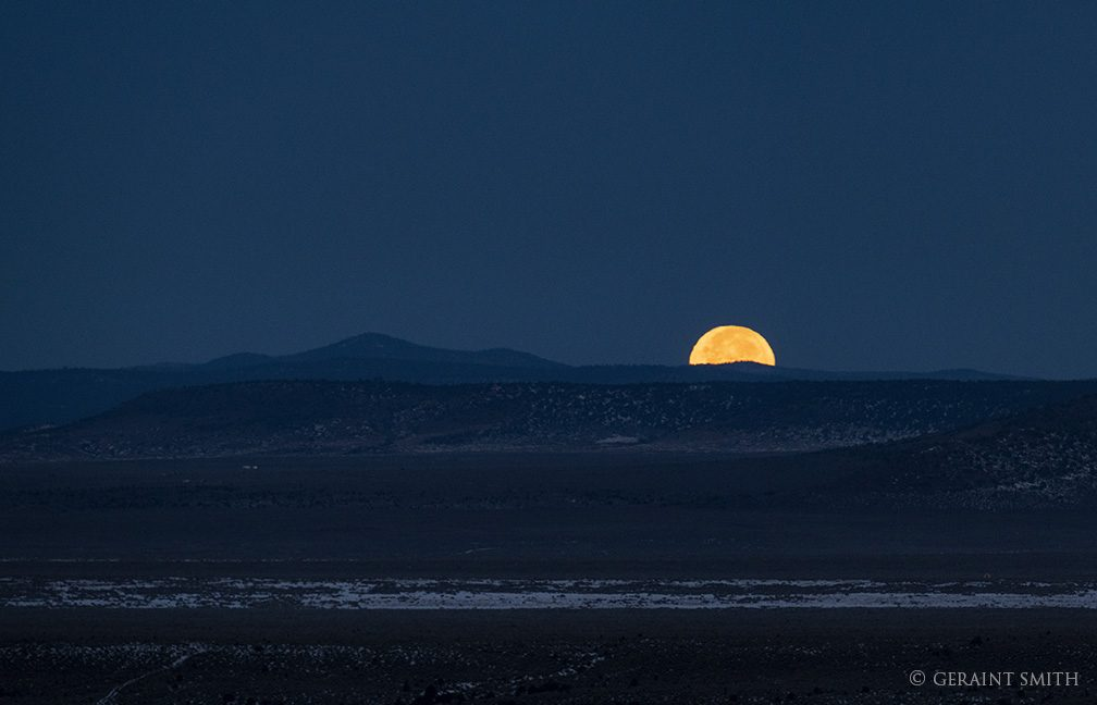 moonset_plateau_3258-5456763