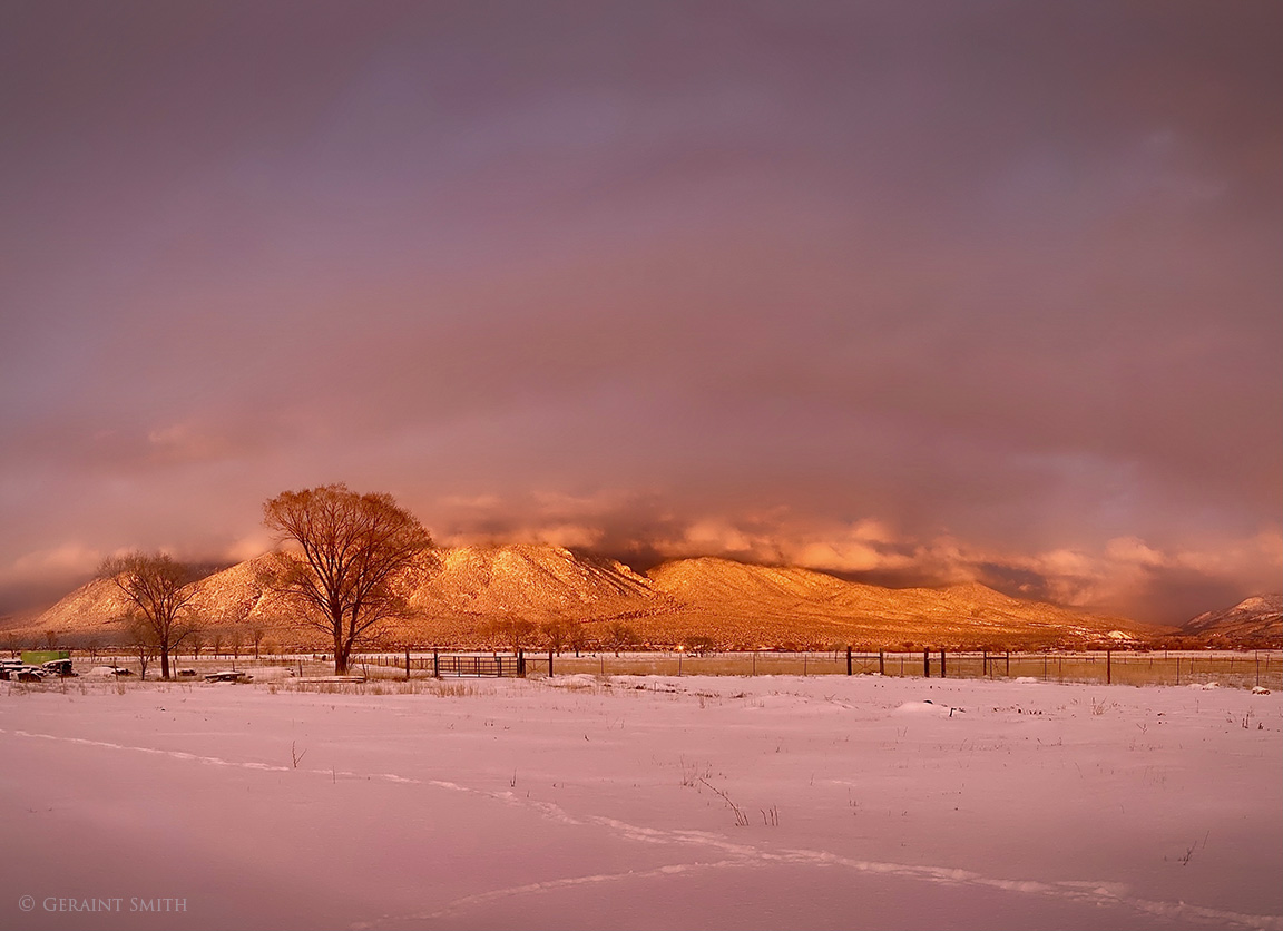 Taos Moutain Light
