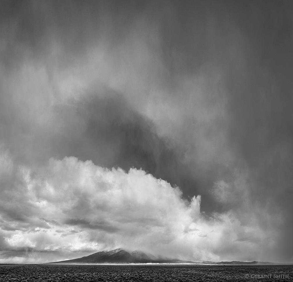 Storm cell San Luis Valley, Colorado