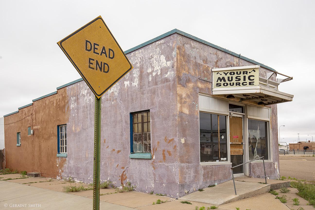 Danford Dan's music store, Dead End