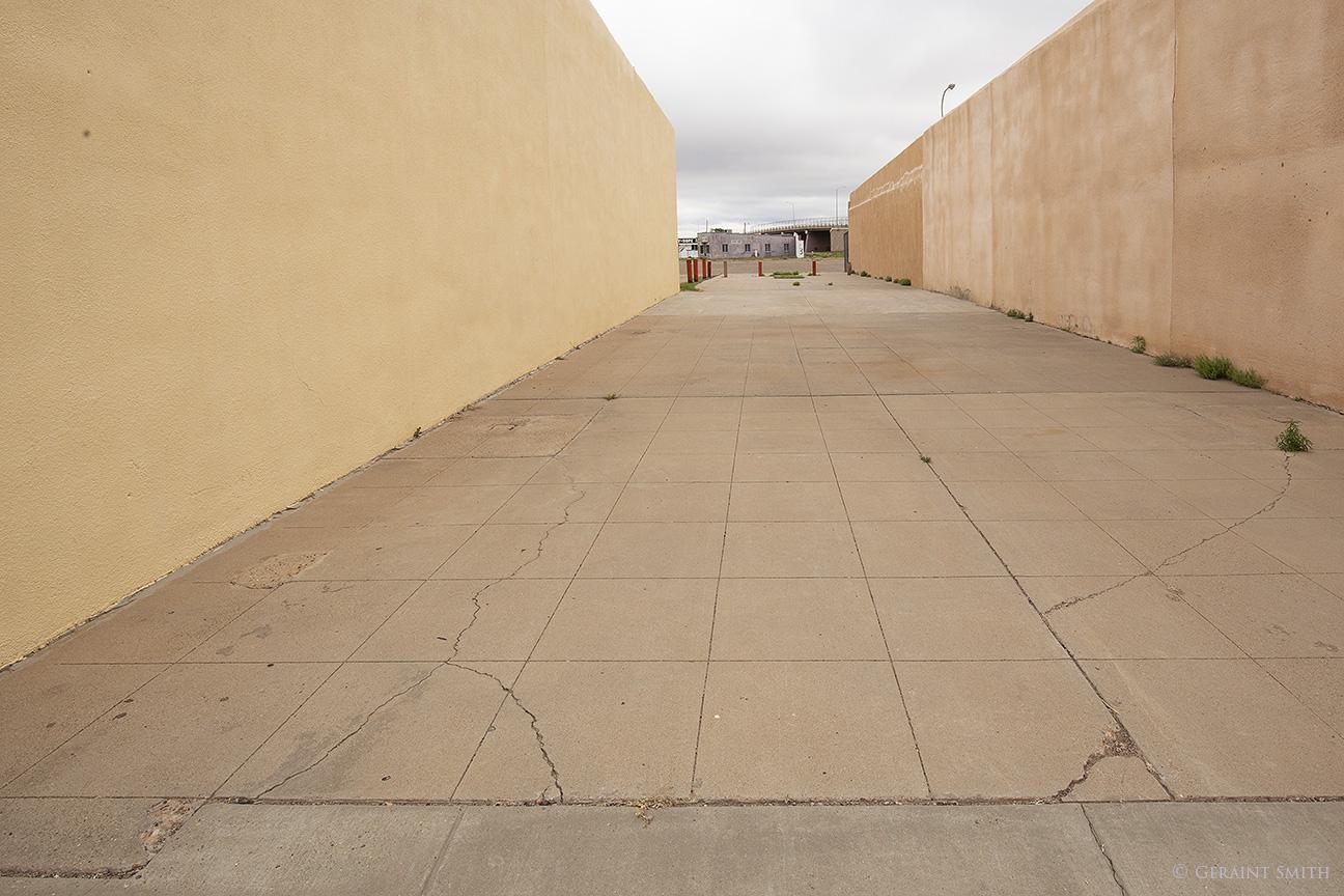 Pass through alley in Tucumcari